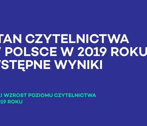 60% Polaków NIE czytało książek w 2019. Mróz przed Tokarczuk