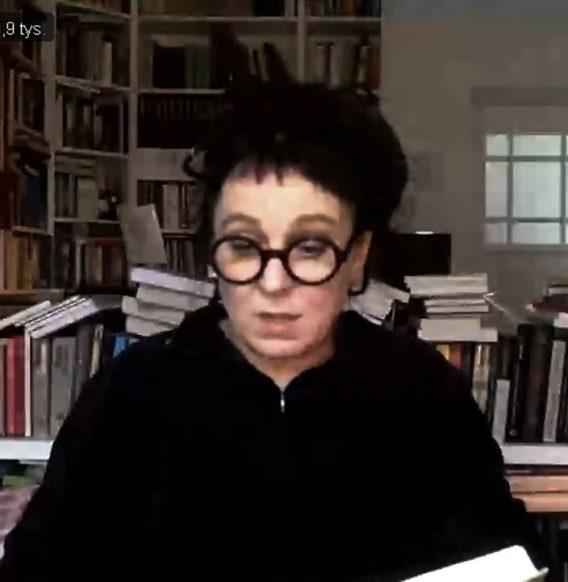 Olga Tokarczuk czyta swoje opowiadanie (WIDEO)